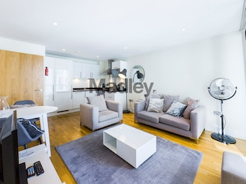 Fabulous 1 bed apartment, fully furnished in South Quay E14