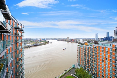 New Providence Wharf, Fairmont Avenue, London