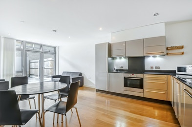 Caspian Apartments, Salton Square, London