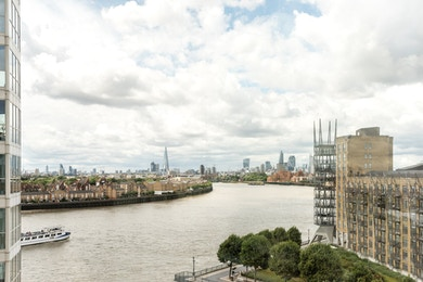 Beautiful and spacious one bed with amazing views, Canary Riverside, E14!