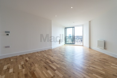 Fantastic One Bedroom Property Available to Rent in Brand New Development of City View Point!