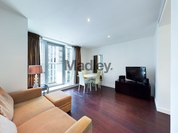 Fantastic one bed apartment available to rent in renowned development, Pan Peninsula
