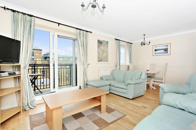 Two bed in Victroria Wharf, Narrow Street, London