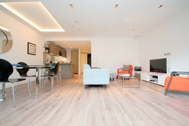 Stunning 700+ sqft 1 bed in brand new development Goodman Fields, E1, £995,000!