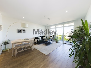 A striking, spacious and modern 2 bed, moments from DLR!