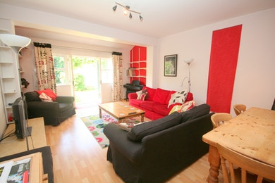 Stunning four bed house on Searles Road, only £805 per week!
