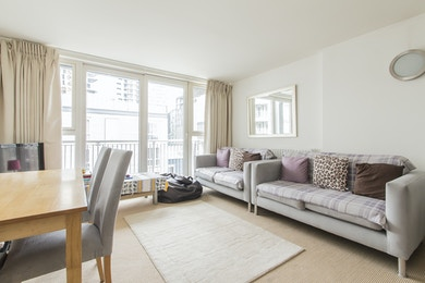 Gainsborough House, E14 9LR, 2 Bedroom £430 per Week
