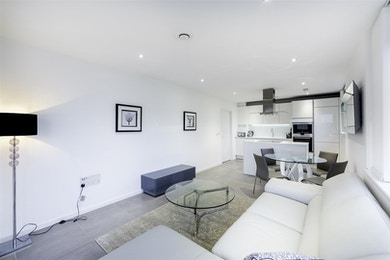 Modern new build, incredible South Bank location!