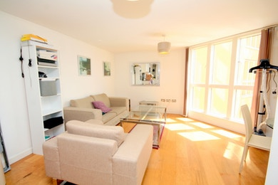 Beautiful apartment to rent in the picturesque Surrey Quays, £410pw