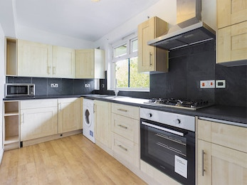 3 bed only a moments walk from Bermondsey Street, Borough Market and the City!