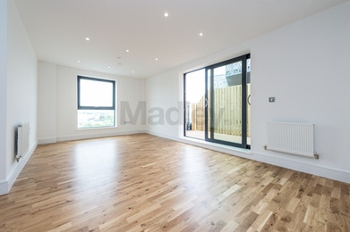 Fantastic Three Bedroom Property Available to Rent in Brand New Development of City View Point!
