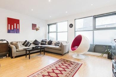 Stunning spacious duplex apartment on the fantastic Bermondsey Street