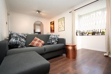 Newly refurbished one bedroom property with great access to South Bermondsey Station, which is one stop from London Bridge.