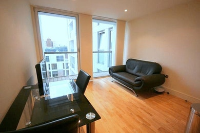 Amazing high spec 1 bed available in Denison House, South Quay, E14  for just £350 per week!