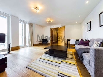 Stunning 1 Bedroom duplex, Sugar House, Leman Street, London