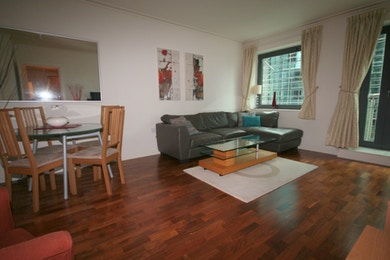Fabulous one bedroom apartment to rent just a stones throw away from Canary Wharf