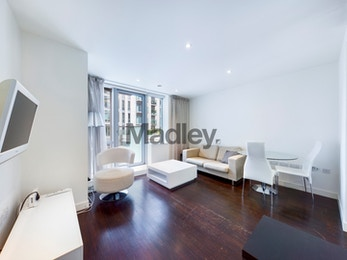 Large high specification one bed apartment in Canary Wharf's premier development Pan Peninsula.