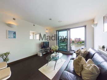 Stunning modern 2 bed apartment in a luxury riverside development in Battersea for just £460 per week!