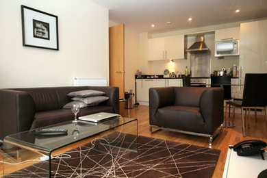 Amazing high spec 1 bed available in Denison House, South Quay, E14 for just £360 per week!