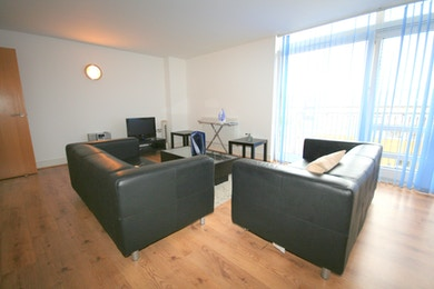 Specious two double bedroom property with wood flooring and lots of storage in Canary Central, £425 per week